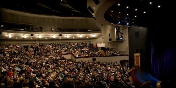 Зрительный зал Театра сатиры