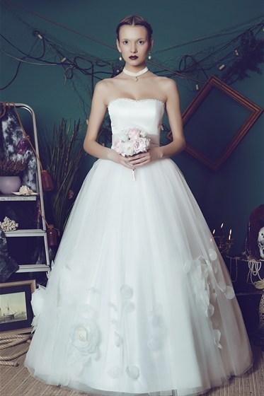 Свадебное платье королевы фото 6
