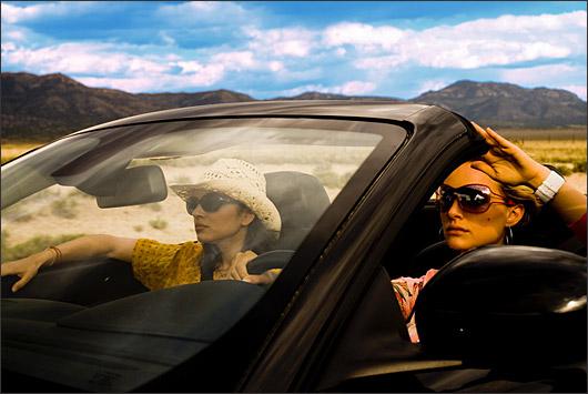 картинки девушка в машине
